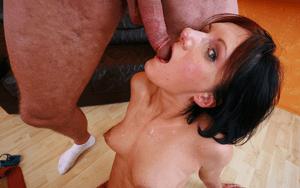 Inzest Mutter beim Blowjob Sex mit dem Sohn