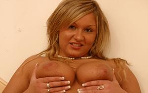 Sexcams mit vollbusige junge Frauen